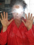 mues,photo pour affiche de manon labrecque,corps,mutation,lumière,transmutation