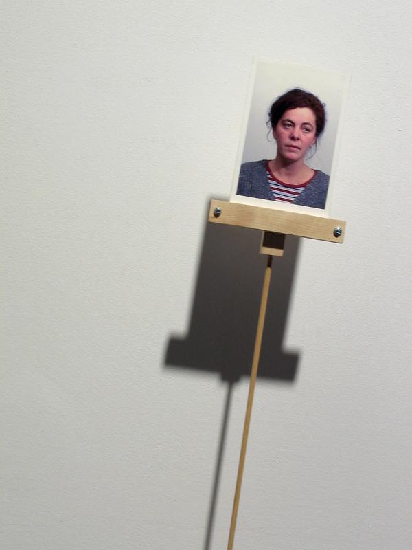 l'appel,installation cinétique et vidéo de manon labrecque,mouvement,balancier,lien,attirer l'attention,mécanisme