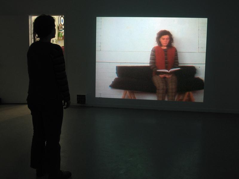 illumination,installation vidéo de manon labrecque,disparition,chants bouddistes,lecture