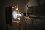 orbitale,installation cinétique et sonore de manon labrecque,mécanismes,corps,lévitation,lanterne magique,orbite